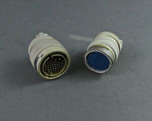 Mated-Par-de-Amphenol-67-01C22-69SX-y-67-06C22-69PX-Conectores
