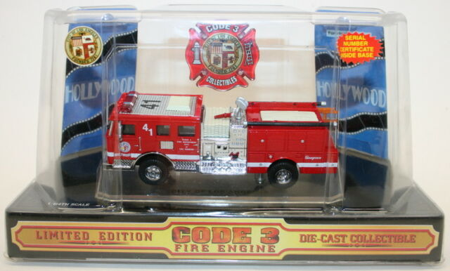 Code 3 Classics 12953 1//64 Crown Firecoach Fire Engine Truck Los Angeles 60141
