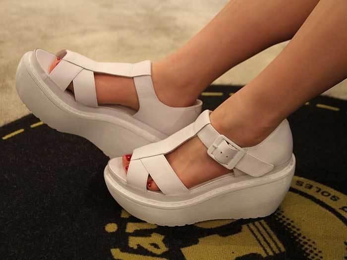 Dr. Martens Women`s Adaya Platform Cross Strap Sandal SOFTY  ALL SIZES  Ret. 160