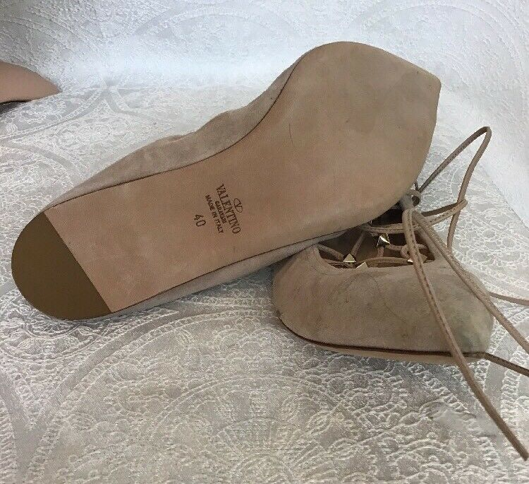 Valentino Lace Up Wrap Ankle Flat Flat Flat shoes I Beige Suede gold Studs Size 40 New 70660c
