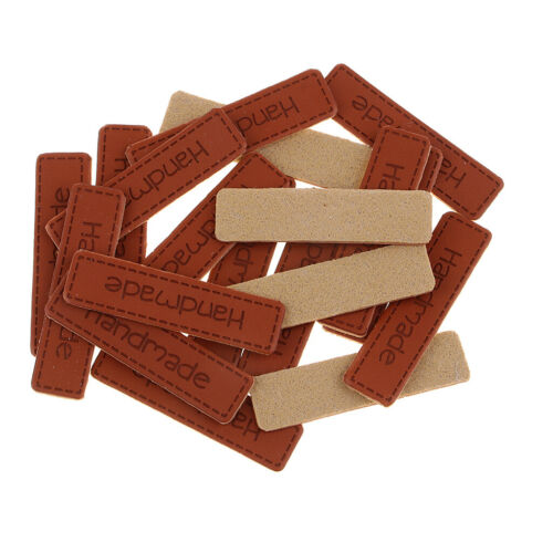 20x Handmade Labels Etiketten Tags PU Leder Annäher Labels Hand Nähen Knopf