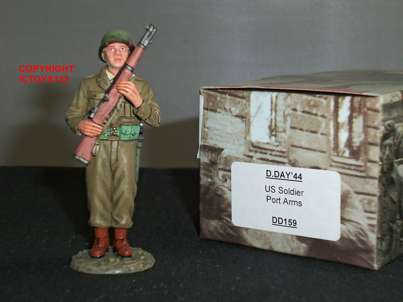 KING AND COUNTRY DD159 DDAY 1944 US SOLDIER AT PORT ARMS METAL TOY SOLDIER