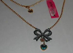 NWT-Betsey-Johnson-Gold-Black-Metal-Finishes-Color-Stones-Bow-amp-Heart-Pendant