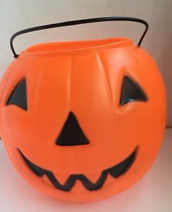 Halloween-Pumpkin-Trick-or-Treat-Candy-Bucket-Pail-Plastic-Blow-Mold-8-inches