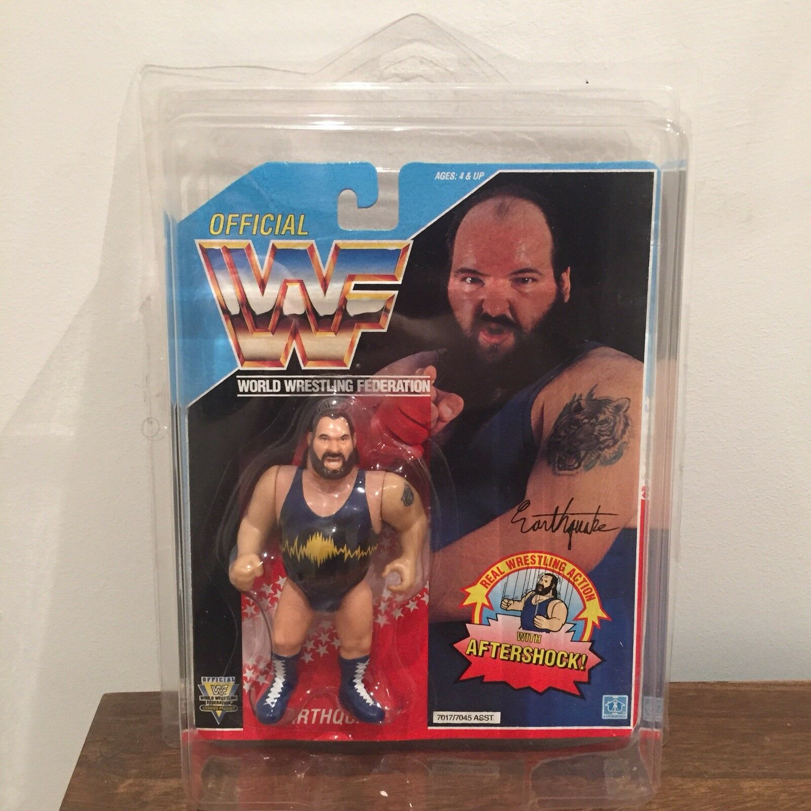 WWF WWE Earthquake Hasbro Action Figure 1992 Series 3 MOC with Case Please Read