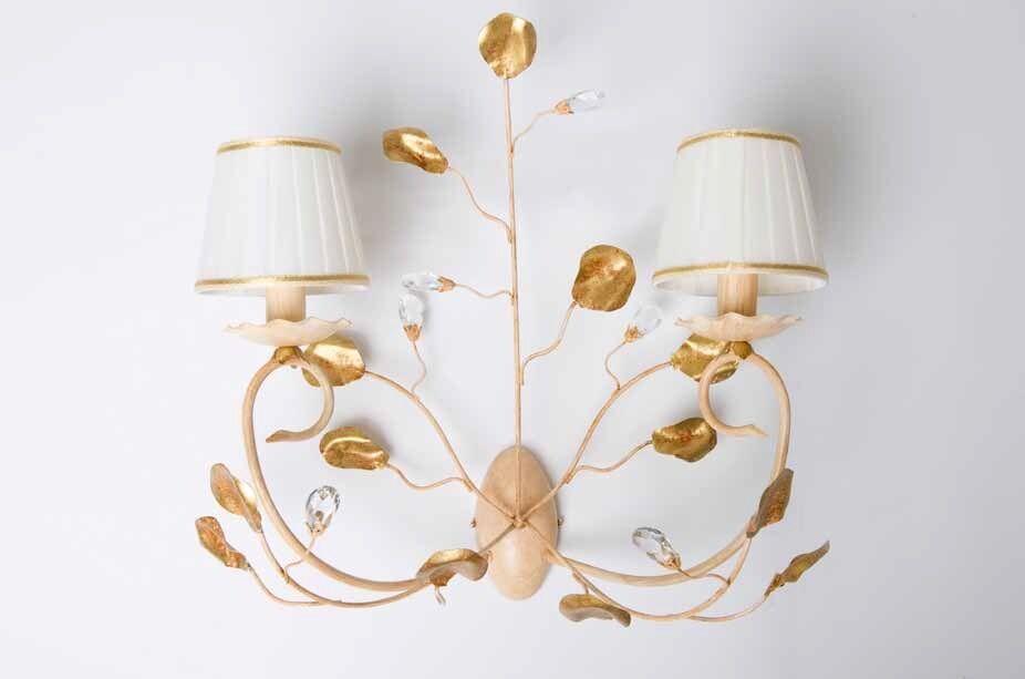 Bevis applique in metallo avorio e oro oro oro decape cristalli