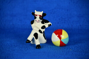 Pepper Shakers Beach Cow Ball