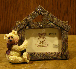 Shelly-Bear-Frame-30024-034-LOG-HOUSE-034-by-Heartfelt-NEW-from-Retail-Store