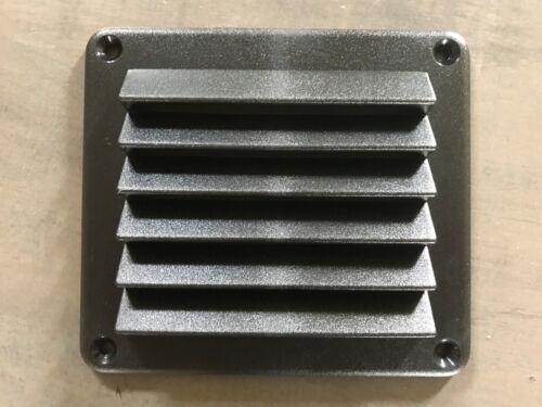GRILLE AERATION PVC NOIR 140 X 125 MM