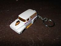 1956 Ford Sedan Delivery Diecast Model Toy Keychain Keyring White Hot Rod