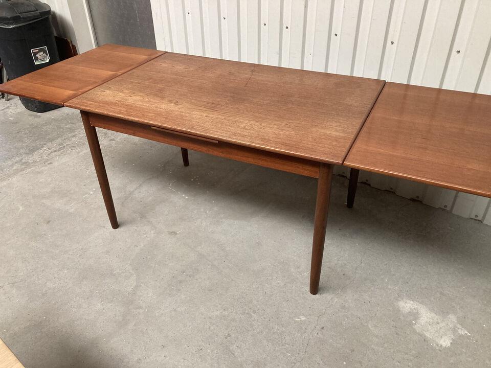 Spisebord