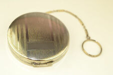 VINTAGE 800 SILVER ROUND COMPACT WITH ENGRAVED LINES DESIGN & FANCY FINGER RING