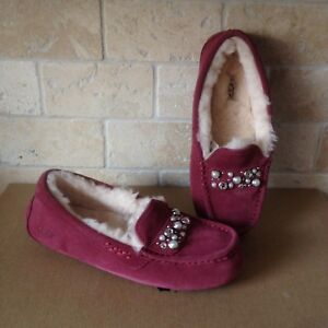 53fc40e016bb UGG Ansley Bow Brilliant Bling Garnet Suede Moccasins Slippers Size ...