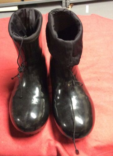 Size 7,WATERPROOF BOOTS,fur lined bootsS,90s boots,black rain Boots,rain boots,rain booties,winter boots,sherpa boots,snow boots,goth boots