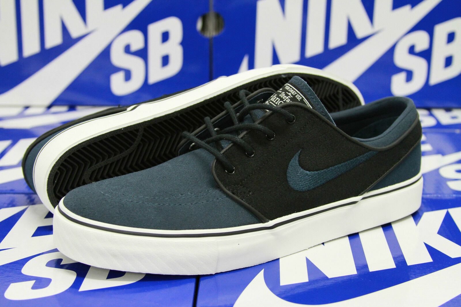 Nike Zoom Stefan Janoski Size 6 BLACK DEEP OCEAN SWAN 333824 041
