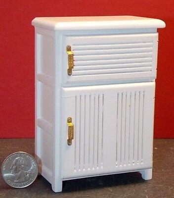 Dollhouse Miniature Kitchen Ice Box Refrigerator in White ~ D6266