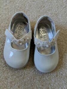 Circo Baby Girl Infant White Patent