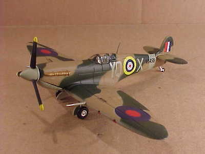 "Combat Loss L.H /""Buck/"" Casson POW RAF Collections #RAF 40605 1//72 Spitfire Vb"