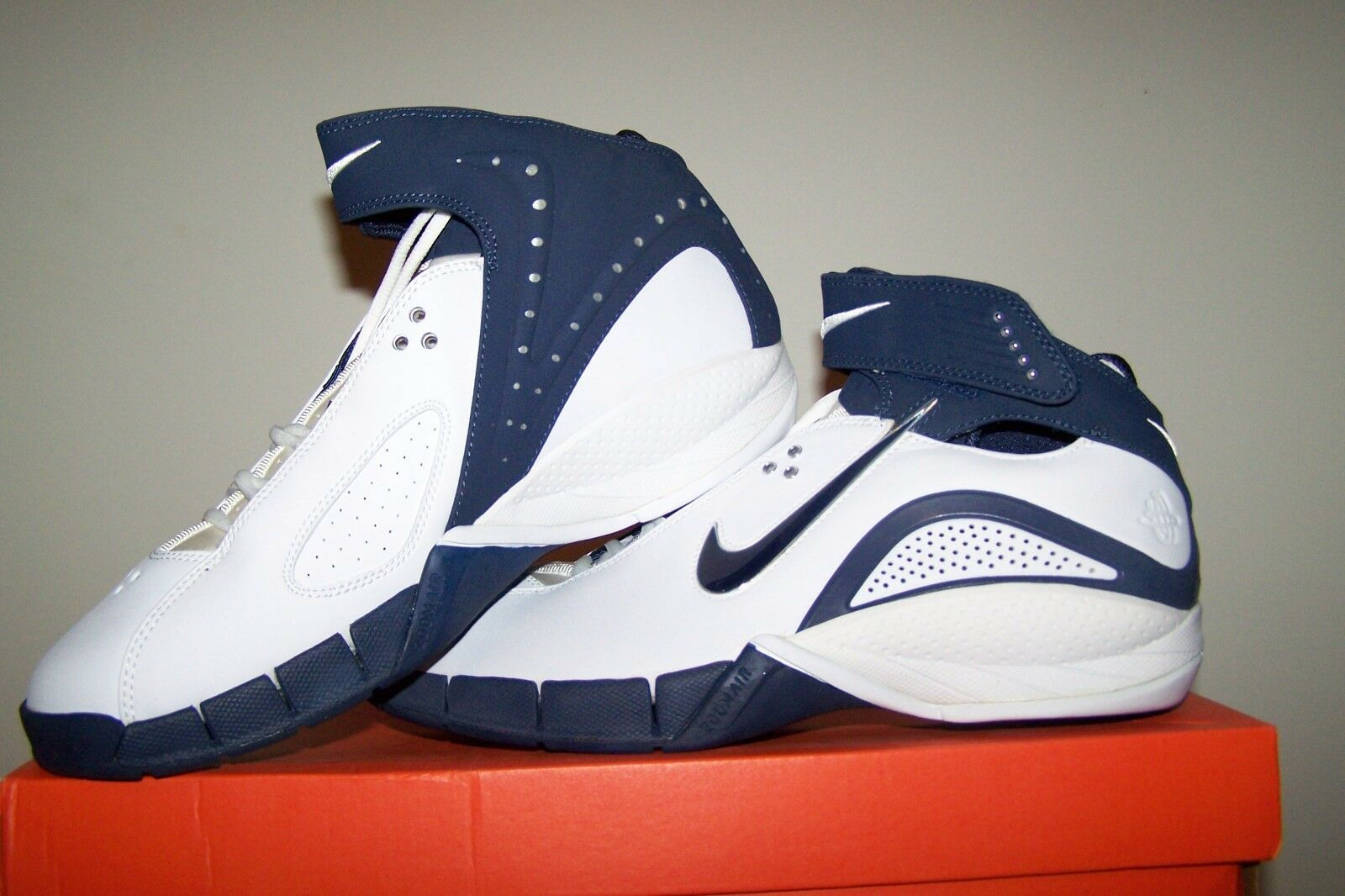 Donna  New Nike Zoom Air Huarache Excel bianca bianca bianca Basketball scarpe with Navy Trim 5afb27