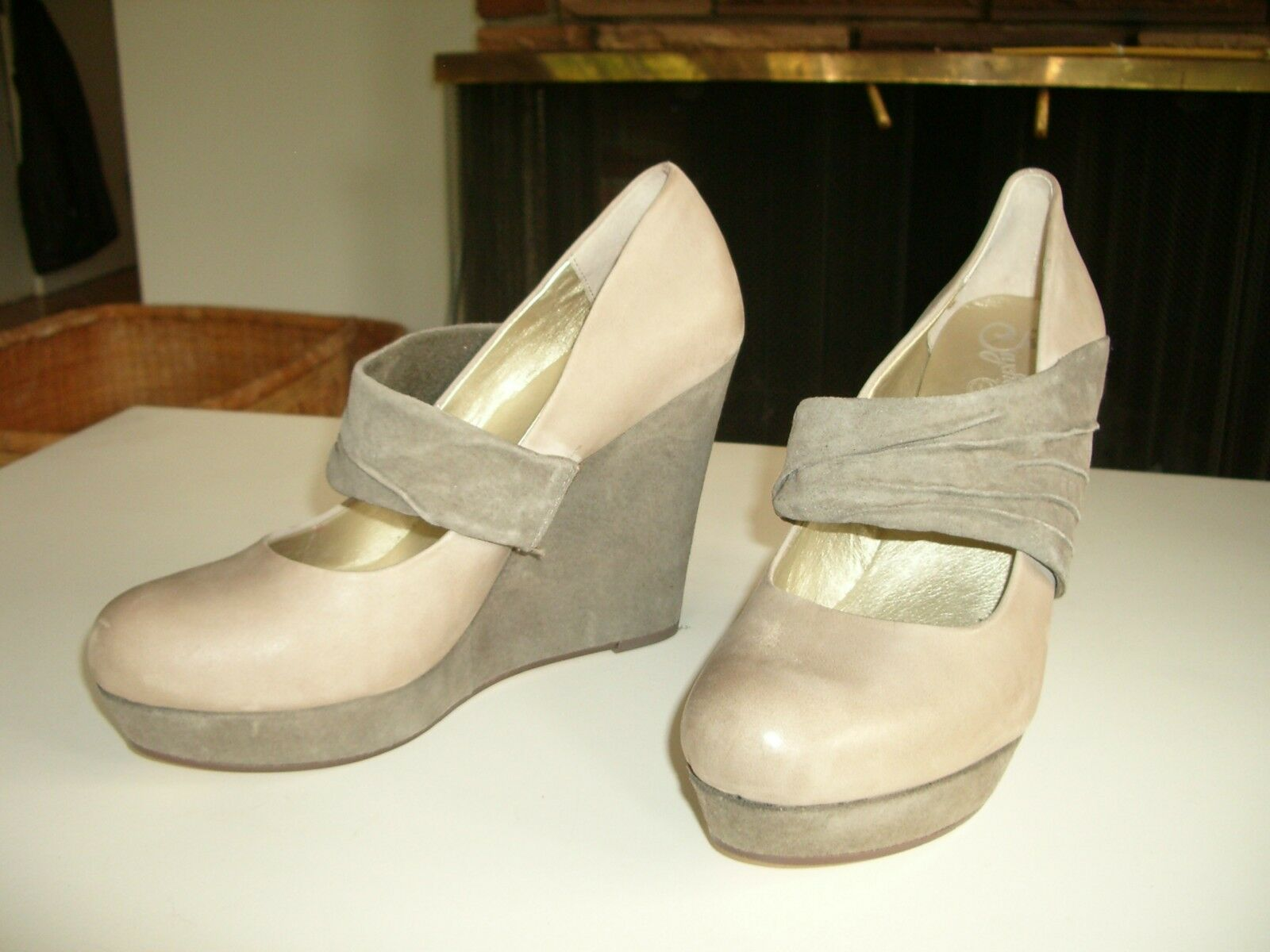 SEYCHELLES LEATHER AND SUEDE PLATFORM WEDGE (TAUPE)