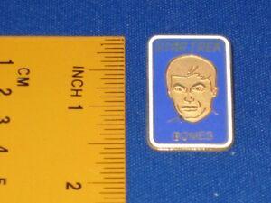 Star-Trek-Doctor-034-Bones-034-McCoy-Portrait-Pin-Badge-STPIN313