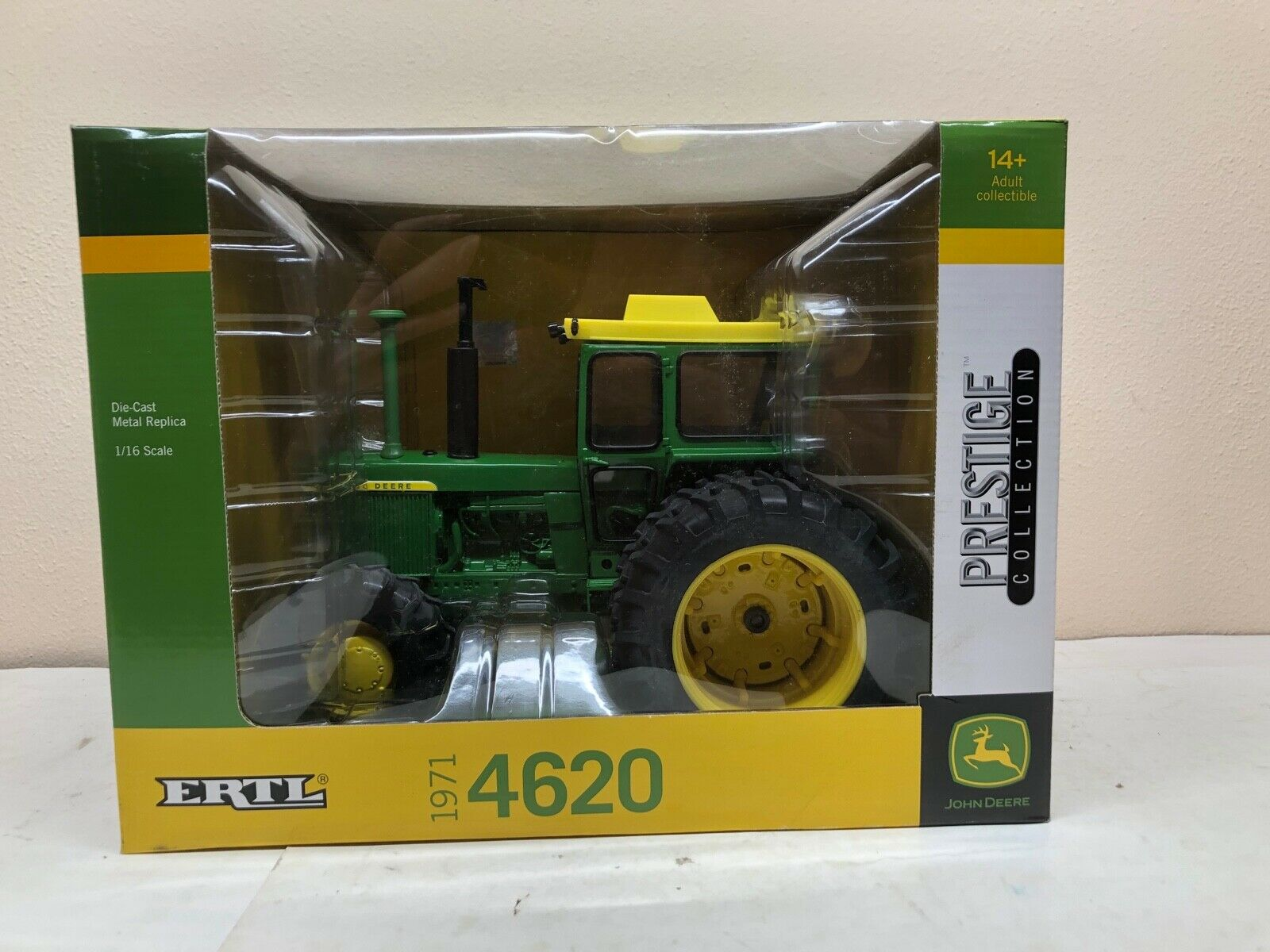 1 16 John Deere Model 4620 MFWD Tractor Prestige Collection DieCast New by ERTL