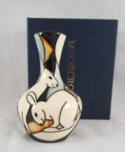 2009-Moorcroft-Pottery-POLE-TO-POLE-Arctic-Hare-Vase-2-4-Kerry-Goodwin-1st-Quali