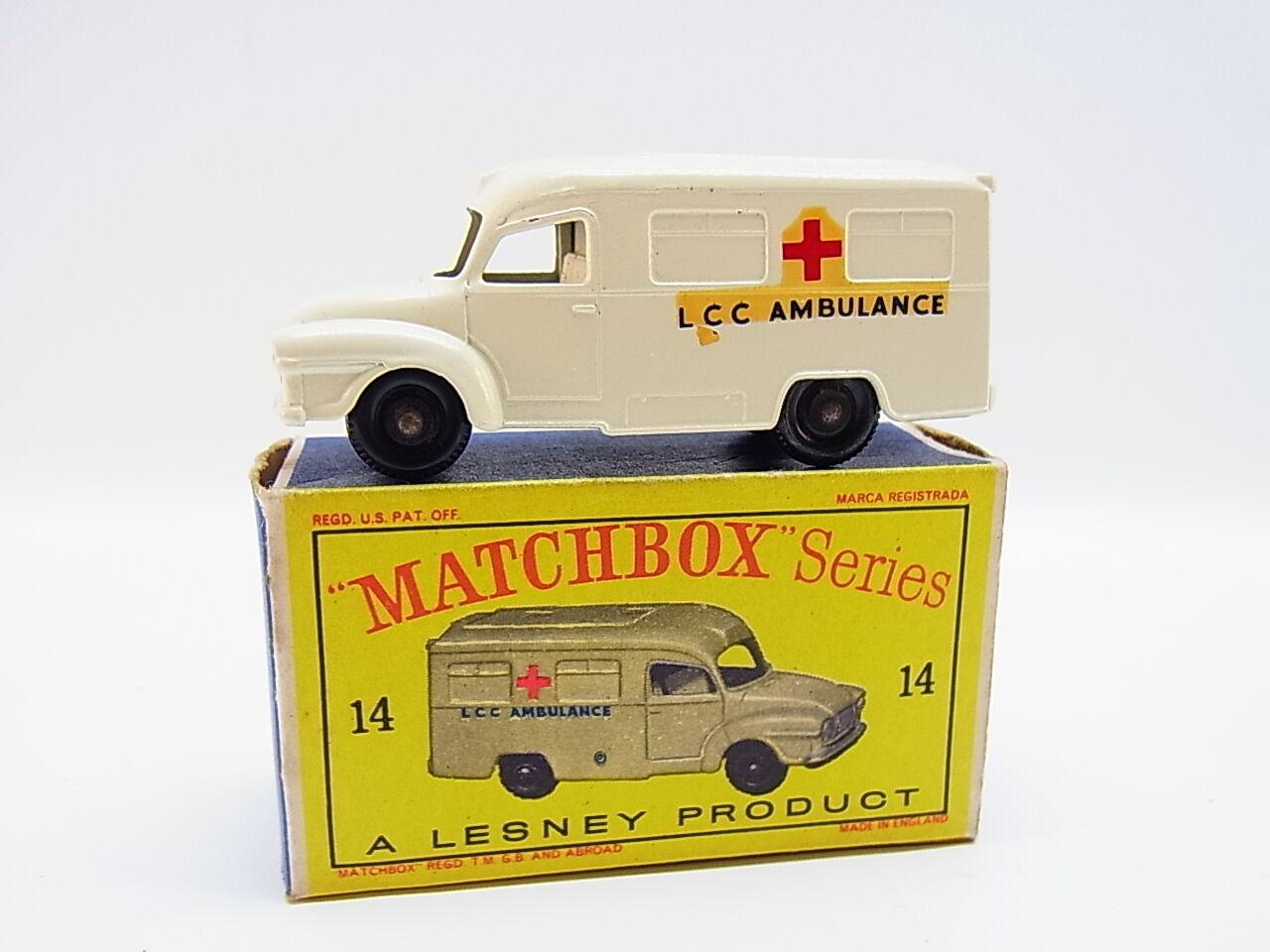 Lot 33333   MATCHBOX 14 C Lomas Ambulance LCC modèle comme neuf  D  - Box