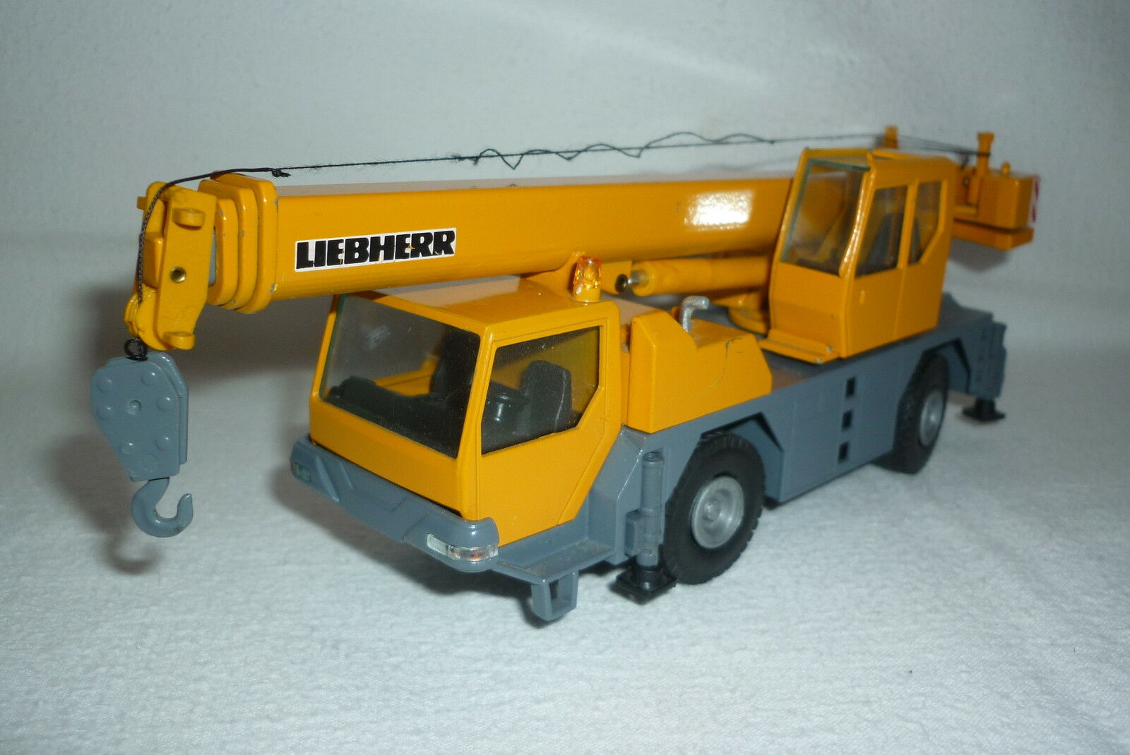 Conrad - Metal Model - Liebherr - Car Crane Ltm 1060 2 - 1 50