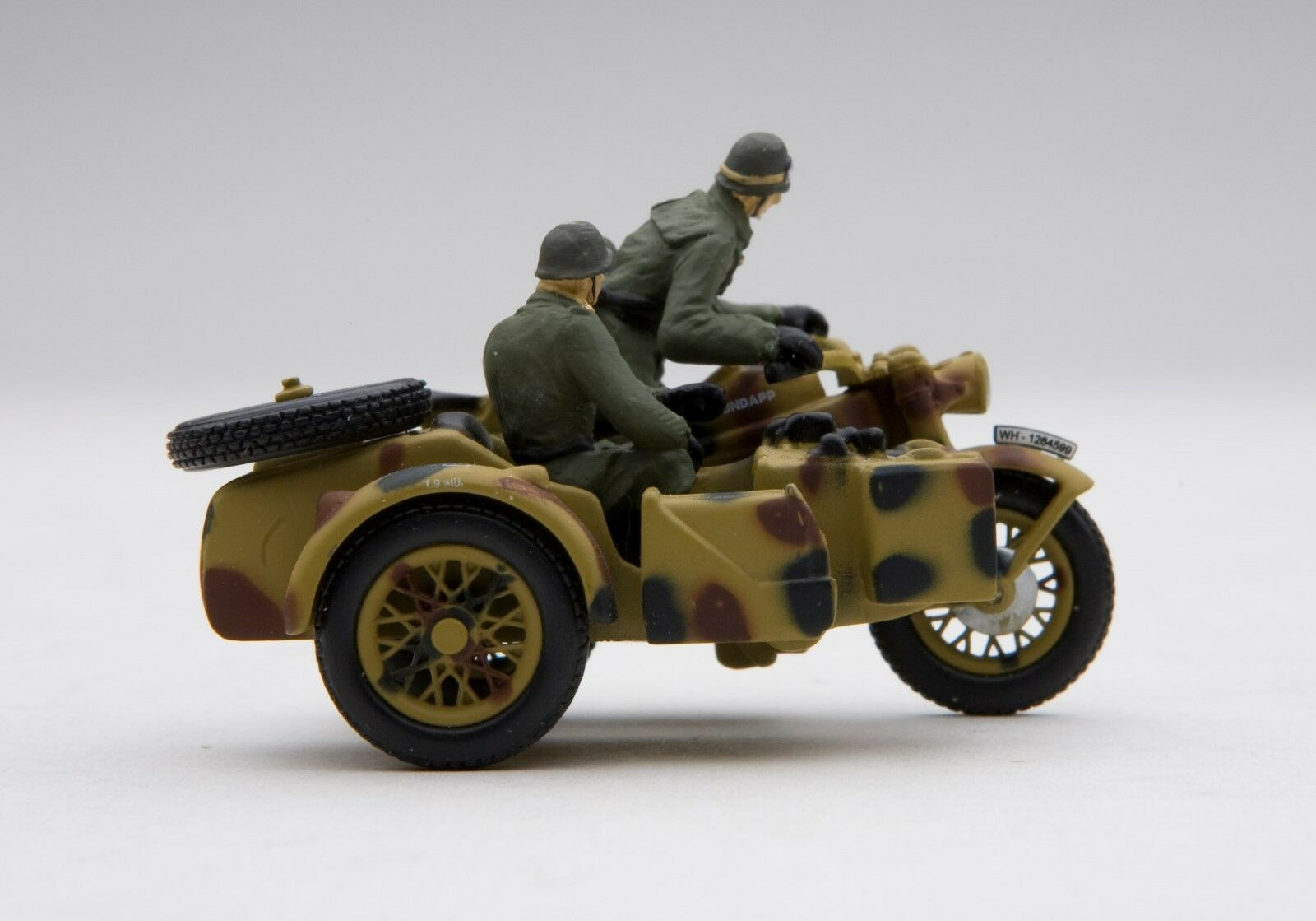 Schuco Piccolo militar Zündapp KS 750  Wehrmacht  con sidecar SHU05066
