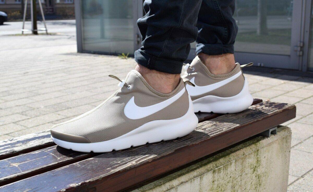 Nike Aptare Essential Binary shoes Men Size 9.5 beige