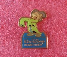 Pins Walt Disney Home Vidéo Film BLANCHE NEIGE Personnage NAIN SIMPLET