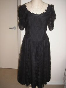 Black-lace-after-five-or-cocktail-frock