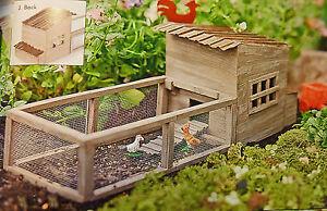 Dollhouse Miniature Fairy Garden Weathered Chicken Coop w/chickens
