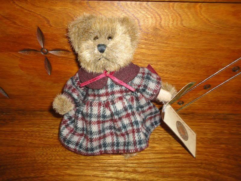 Russ Vintage Collection Lindsey Bear 44704 Handmade RetiROT