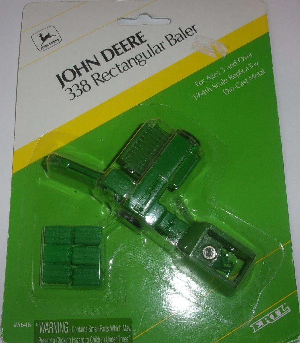 1//64 ERTL JOHN DEERE 338 SQUARE BALER