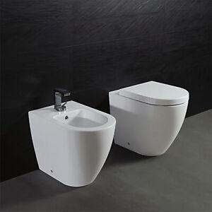 Sanitari Bagno Filo Parete Design Moderno Con Copri Wc Per