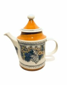 Goebel-Burgund-Decorative-Teapot-Bavaria-West-Germany-EXCELLENT-condition