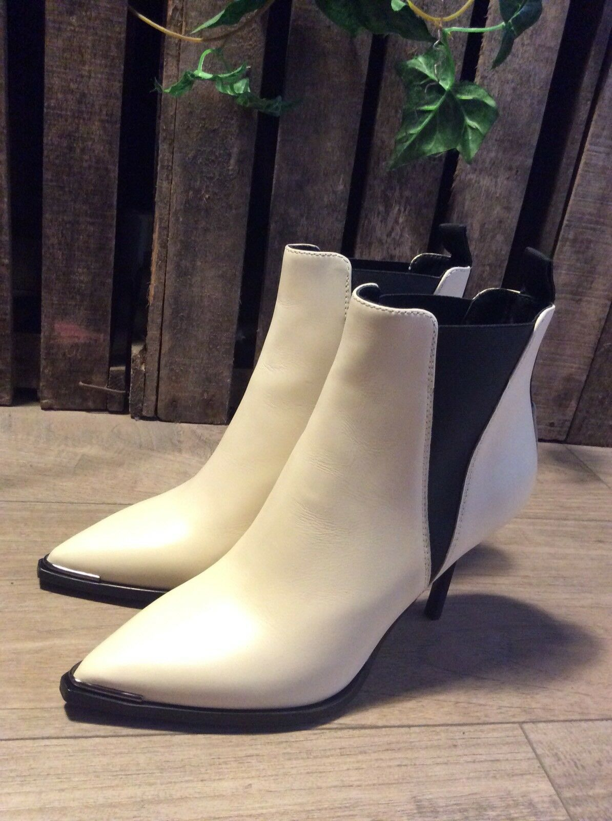 ACNE Studios JENS Colour-Cream elegant stiletto boots (BRAND NEW)