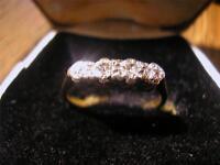 Beautiful Art Deco 18ct Gold, Plat & Diamond Four Stone Ring