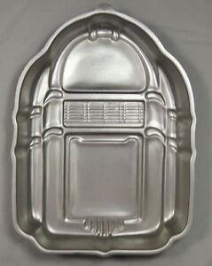 Rockin' Juke Box Cake Pan from Wilton 5311 - Clearance