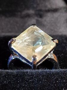 white topaz square cut silver ring size 7.5 us