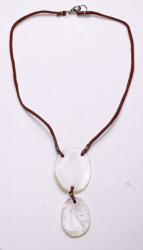 DARK LEATHER STRAP WITH WHITE PEARLY NECKLACE UNIQUE STATEMENT ZX31