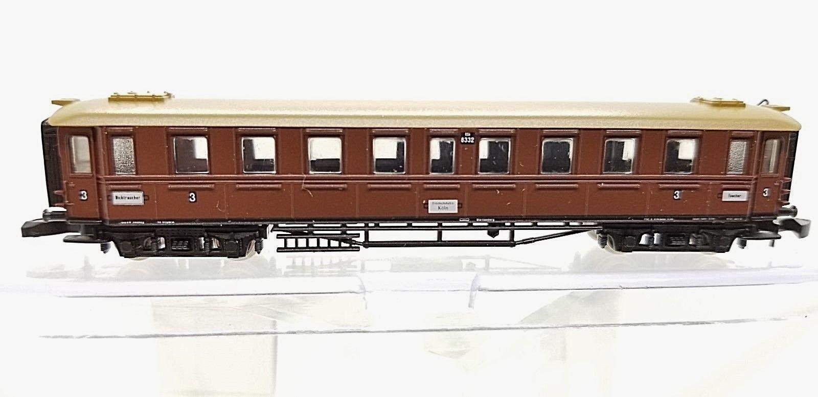 Z Scale Marklin 87960 Württemberg Express passenger car 3rd class