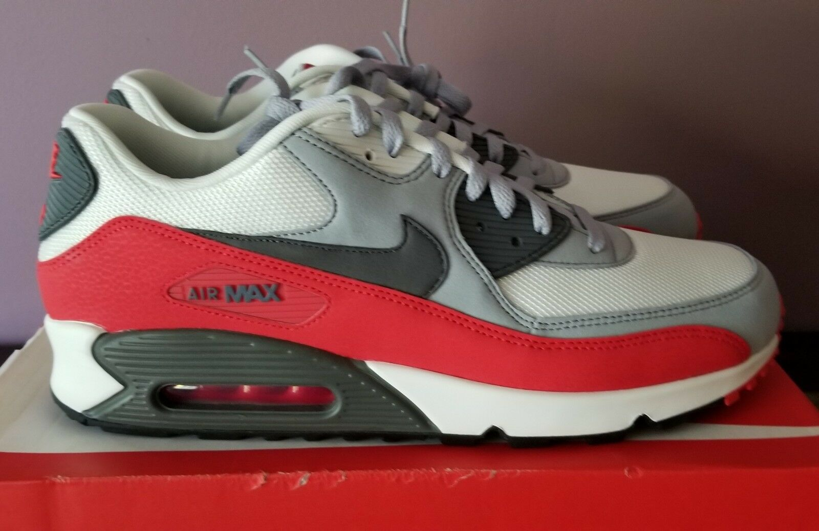 Nike Air Max 90 Men's size 13 Wolf Grey Challenge Red 537384-039 New in Box