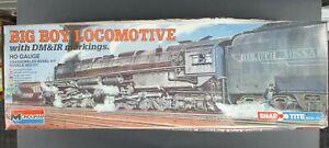 Monogram-Ho-Locomotora-Big-Boy-con-marcas-dm-amp-ir-Snap-Tite-Modelo-Kit-1602-abierto