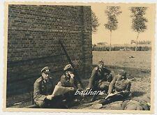 Foto Frankreich  bei Rancourt -Soldaten  1940  (e124)