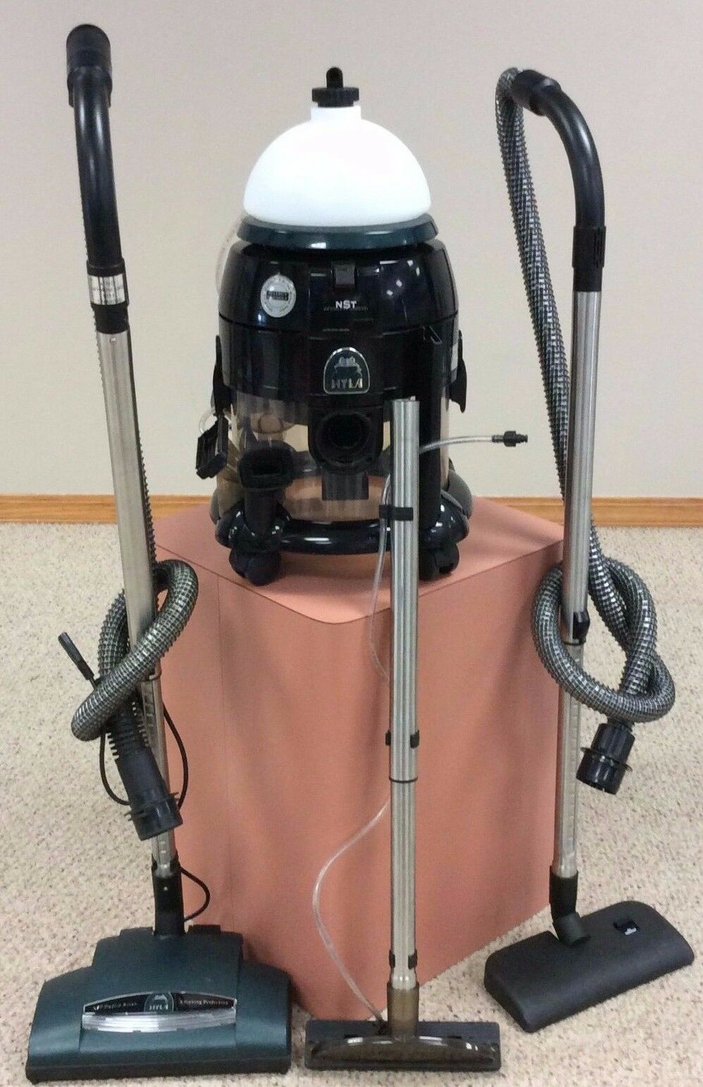 HYLA NST canister vacuum w  shampooer Water filtration Warranty Works Perfectly