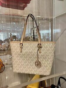 NWT-Michael-Kors-Jet-Set-Travel-Top-Zip-Signature-TZ-Tote-Bag-Multi-Color