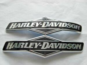 Harley-Davidson-Skull-Totenkopf-Tankschilder-Tankembleme-62299-06-amp-62300-06